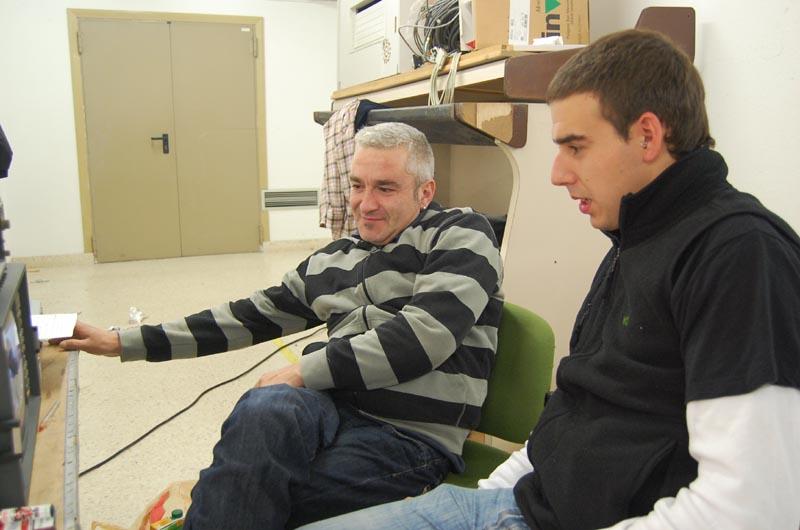 David y Erlantz ante el puente técnico.