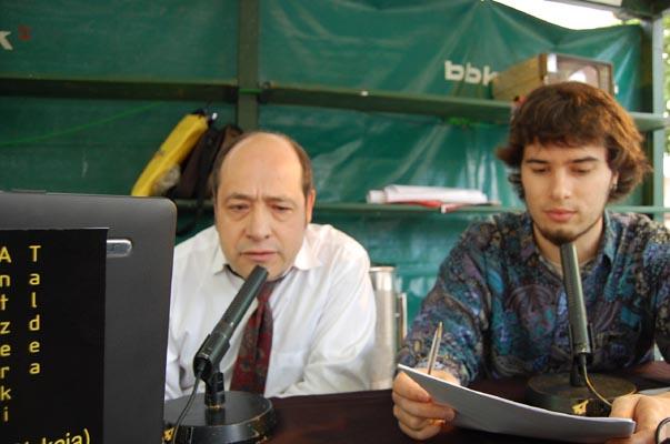 Rafa y Agapi en plena entrevista.